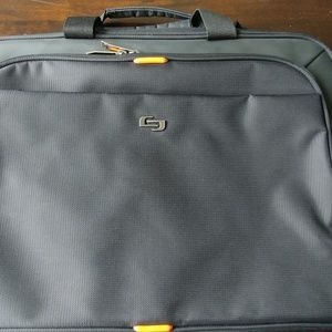 Handbags - EUC Laptop Messenger Bag black ripstop durable!